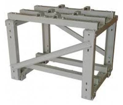 Machine chassis table